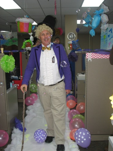 GoJet COO Terry Basham gets into the Halloween spirit, stepping into the role of Willie Wonka for the day.